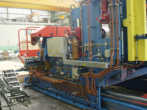 Erection of Hydraulic Piping on Desplaceable Tension Unit
